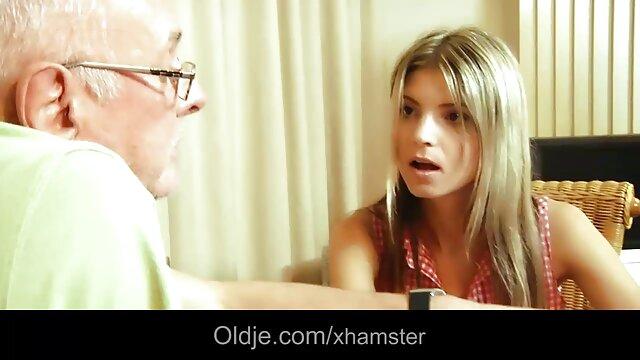 Mira a mi milf madura esposa en medias negras y videos de hentai en español grandes tetas