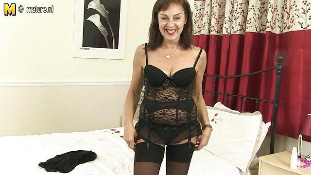 Phoxy mama chupando 2 hentai anal español