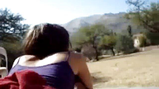 Un juego de damas se vuelve simpson hentai español sexual para la joven Sofy