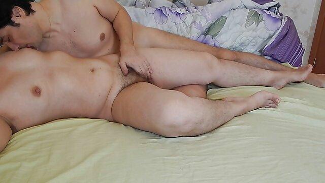 Esclavo hentai sin censura online de látex en calabozo