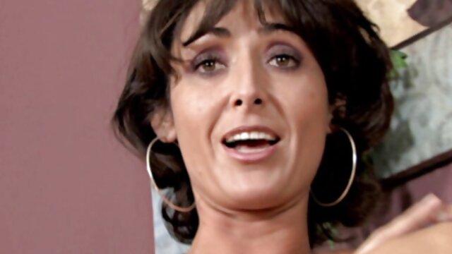 Caliente y mala - Lela Star Molly Stewart - Quería follada porno manga español