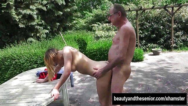 Desnuda y en hentay porno en castellano hogtied