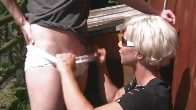 MILF tetona Syren DeMer disfruta de gangbang anal y DP con hentai a color español grandes