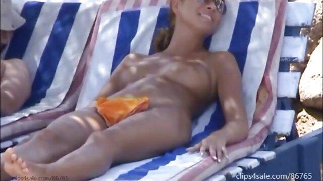 Pareja de ver hentai sin censura online cornudos maduros con limpieza