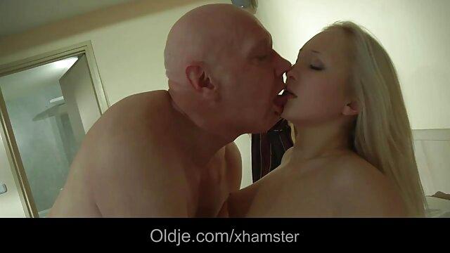 Morena cachonda hentai hd español disfruta del sexo anal salvaje